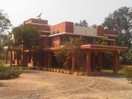 4 Bedroom Farm House for rent in vasant kunj church,New Delhi